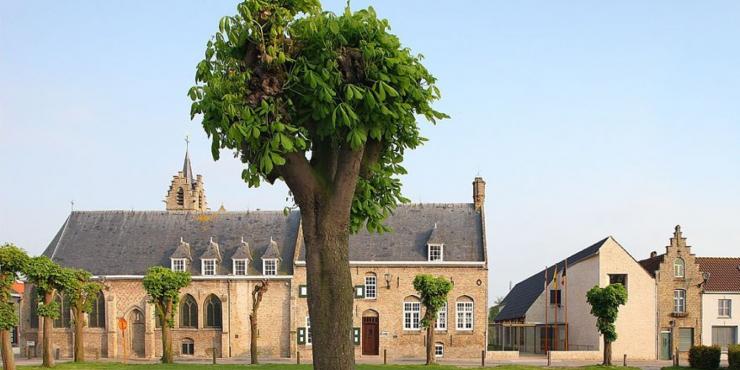Stadhuis Lo-Reninge